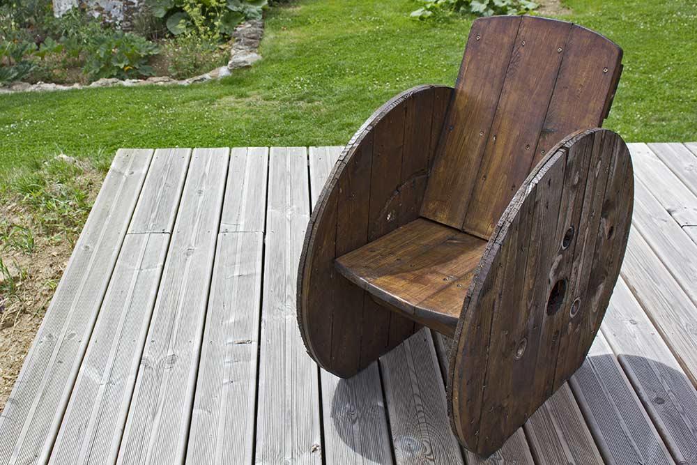 Fabriquer un fauteuil de jardin pour z ro euros ma for Fabriquer un fauteuil de jardin en bois