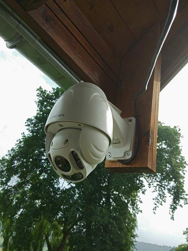 Montage Foscam FI928P à l'extérieur